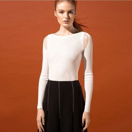 Cut out detail that's suitable for the working girl.