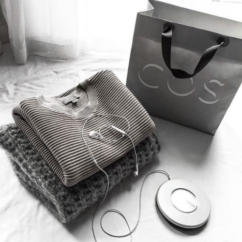 How's this for an alarm tone... @cosstores have 20% OFF tomorrow from 5PM for our Christmas Shopping Event. . . . #melbourne #melbxmas #melbmoment #melbourneshopping #visitmelbourne #fashionblogger #ontheblog #cosstores #cosmelbourne #ootd #style #fashion #streetstyle #knit #mensstyle #fashionaddict #fashiongram #streetstyleluxe #ootdsubmit #photooftheday #fashionblog #lookbook #ootn #outfitoftheday #wiw #whatiwore #instastyle #todayimwearing #fashioninsta #fashiondaily